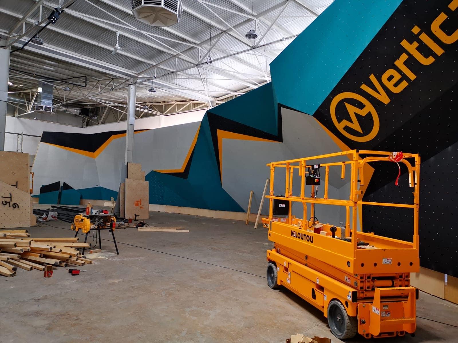 travaux à vertical'art toulon , escalade de bloc en indoor